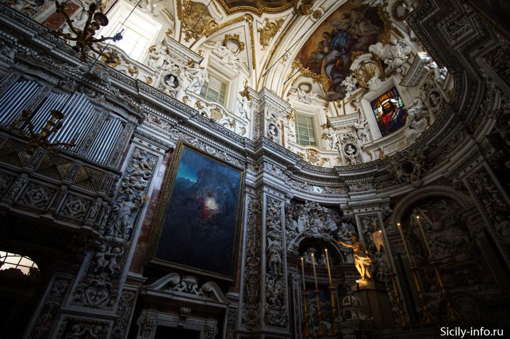 Интерьер Chiesa del Gesu