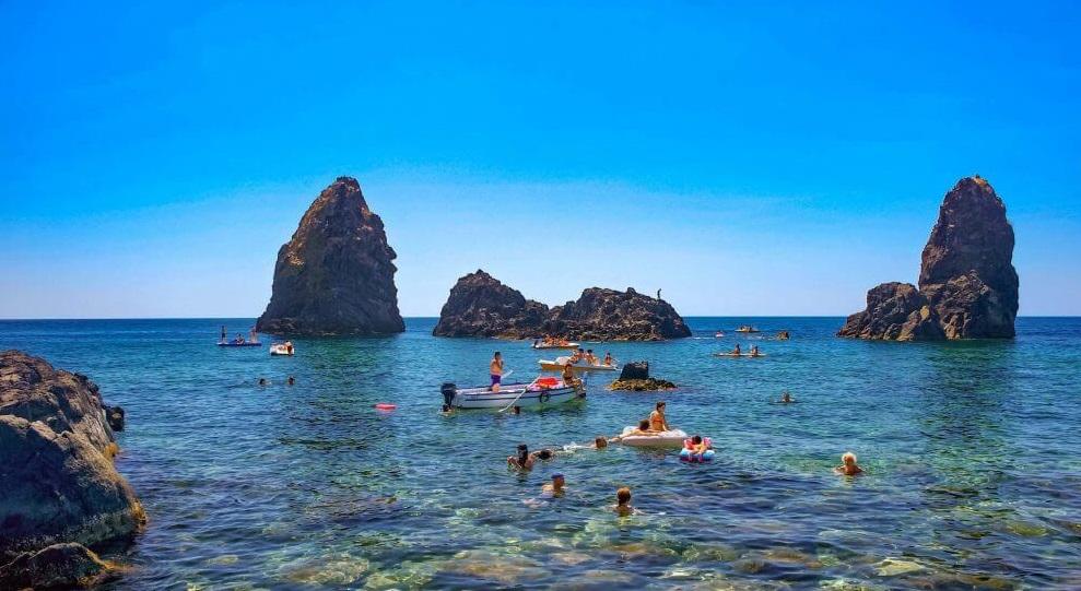 Пляж Ачи Трецца