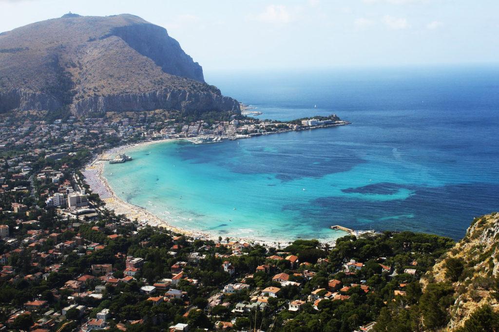 Лучшие пляжи Сицилии. Пляж Монделло Палермо