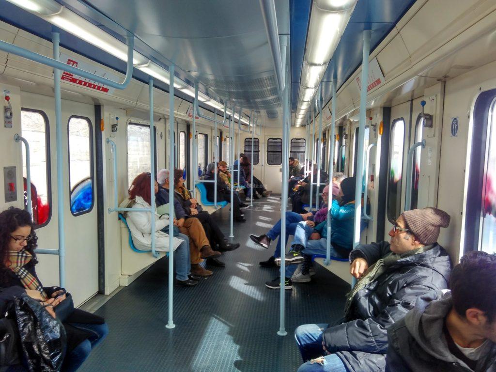 вагон метро Катании